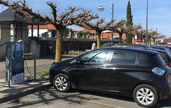 Mairie de Séméac - parking recharge des véhicules