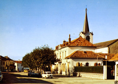 Mairie de Séméac - vue du centre